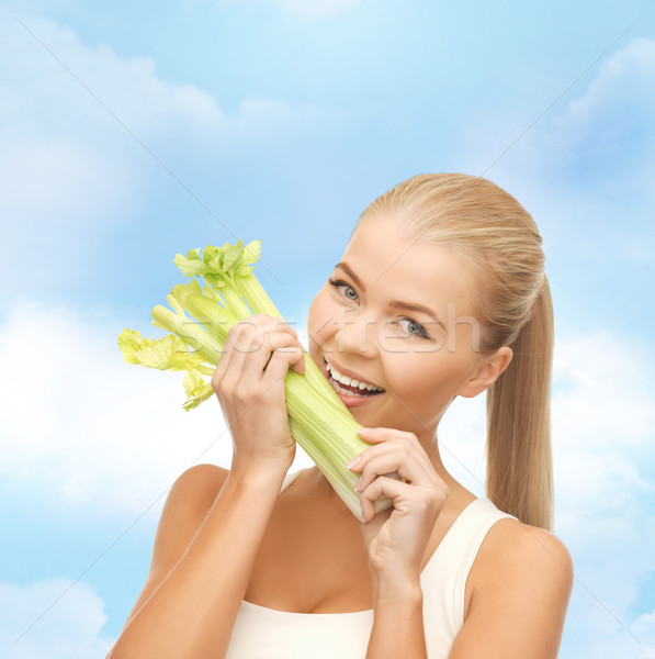 Femme pièce céleri vert salade Photo stock © dolgachov