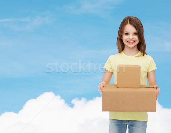 Stock fotó: Mosolyog · kislány · fehér · póló · hirdetés · gyermekkor
