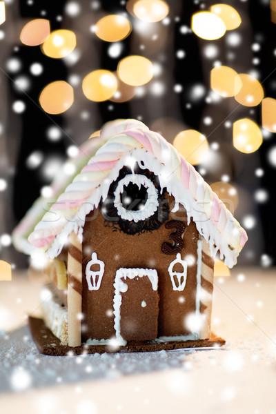 Piękna piernik domu domu wakacje Zdjęcia stock © dolgachov