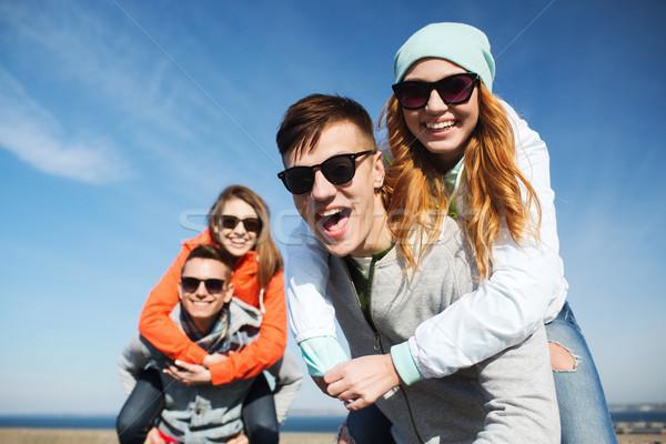Сток-фото: счастливым · друзей · улице · дружбы