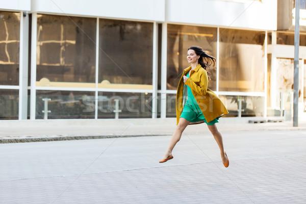 Boldog fiatal nő tinilány figyelmeztetés divat emberek Stock fotó © dolgachov