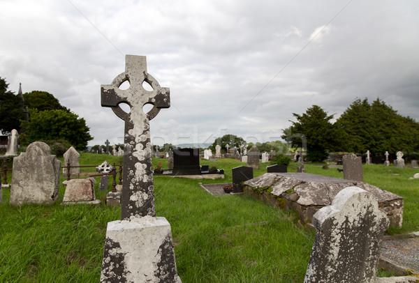 старые кельтской кладбище кладбища Ирландия древних Сток-фото © dolgachov