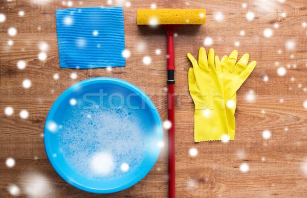 Stock fotó: Ablak · takarítás · fa · házimunka · háztartás · háztartás