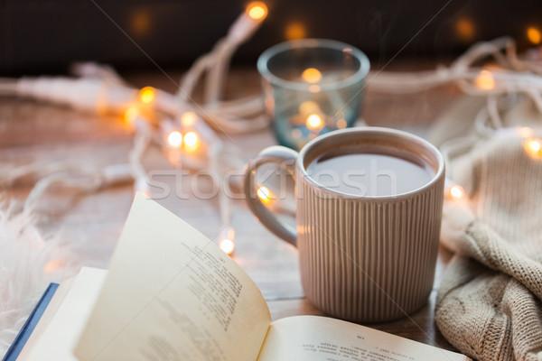 Kitap fincan kahve sıcak çikolata tablo Stok fotoğraf © dolgachov