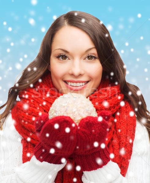 Donna sciarpa muffole Natale palla inverno Foto d'archivio © dolgachov