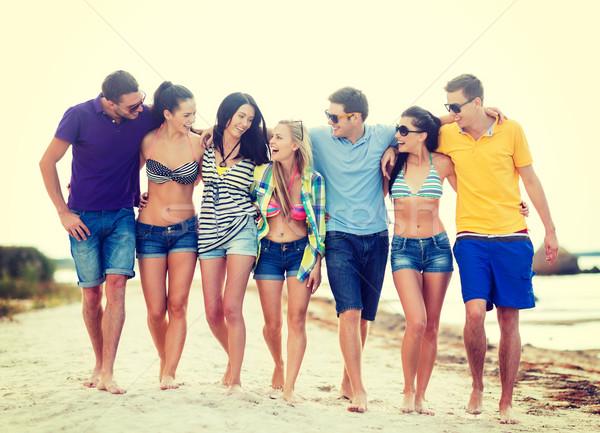 Foto stock: Grupo · amigos · praia · verão · férias