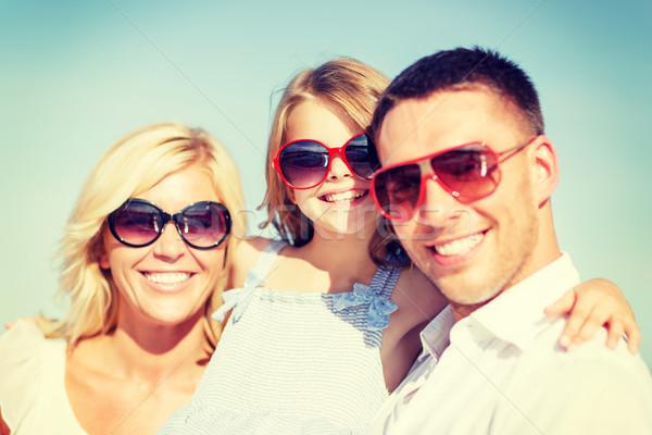 Glückliche Familie blauer Himmel Sommer Feiertage Kinder Menschen Stock foto © dolgachov