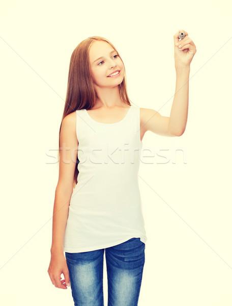 Meisje witte shirt tekening iets ontwerp Stockfoto © dolgachov