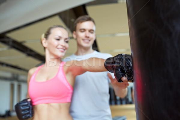 Gelukkig vrouw personal trainer boksen gymnasium sport Stockfoto © dolgachov