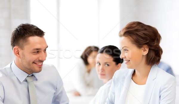 Colegas hablar oficina Foto negocios hombre Foto stock © dolgachov