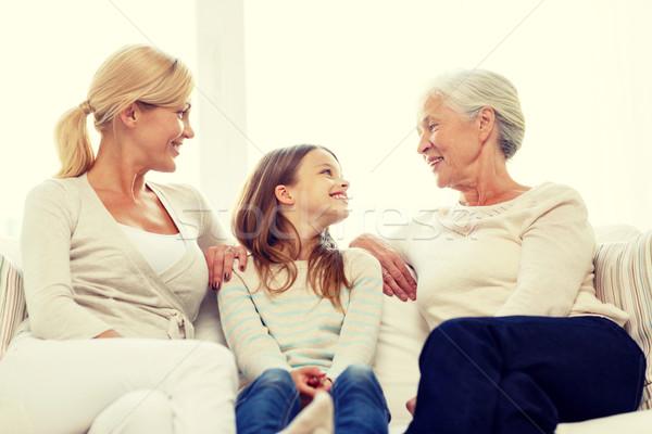 Foto stock: Sonriendo · casa · de · la · familia · familia · felicidad · generación · personas