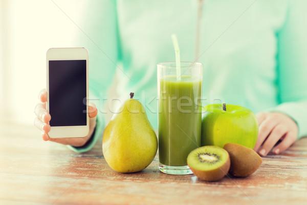 Stockfoto: Vrouw · handen · smartphone · gezond · eten