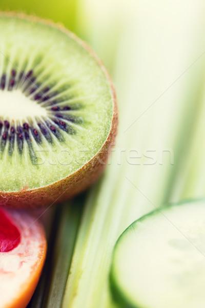 Maduro kiwi pepino rebanadas dieta Foto stock © dolgachov