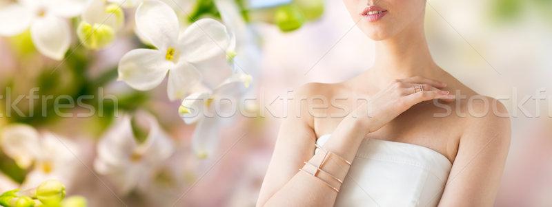 Bela mulher anel pulseira glamour beleza Foto stock © dolgachov