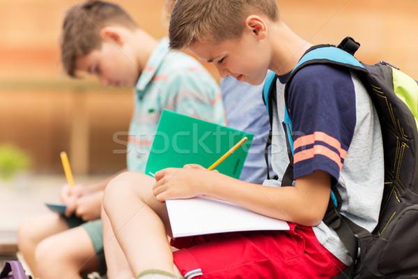 Zdjęcia stock: Szkoła · podstawowa · studentów · piśmie · notebooki · podstawowy · edukacji