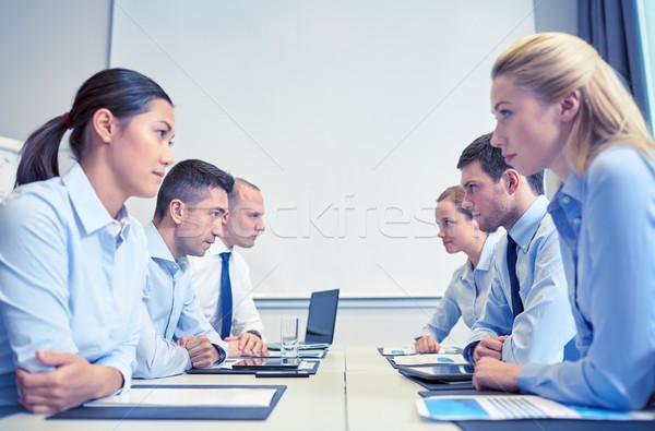 улыбаясь деловые люди конфликт служба кризис конфронтация Сток-фото © dolgachov