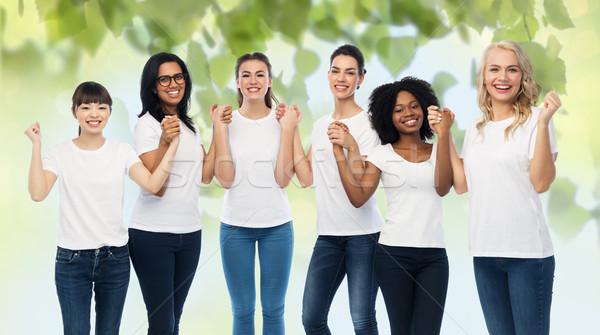 Międzynarodowych grupy szczęśliwy wolontariusz kobiet różnorodności Zdjęcia stock © dolgachov