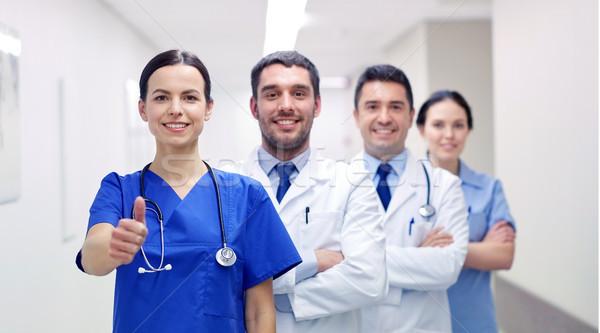 Orvosok kórház mutat remek hivatás emberek Stock fotó © dolgachov