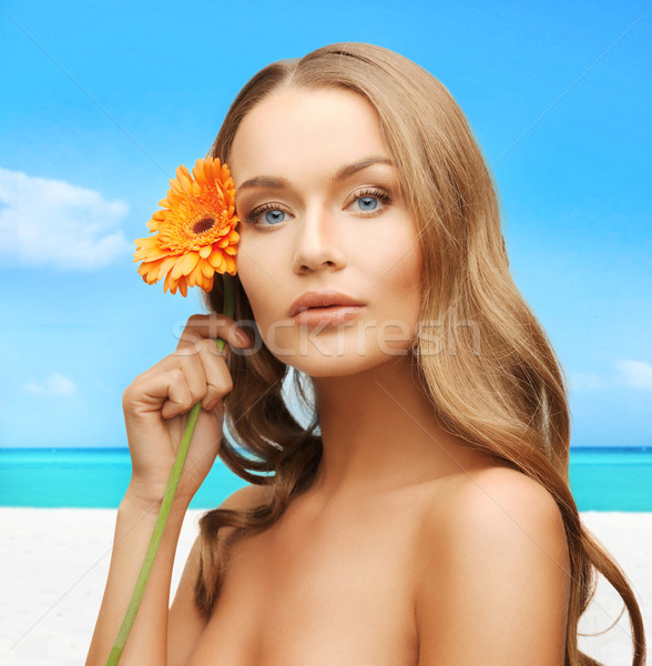 Mulher flor brilhante quadro praia cara Foto stock © dolgachov