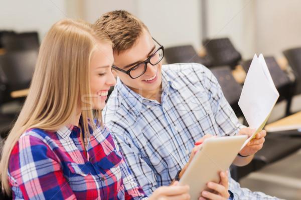 Grupo sonriendo estudiantes cuadernos educación escuela secundaria Foto stock © dolgachov