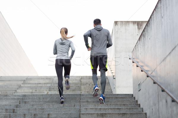пару работает наверх город лестницы фитнес Сток-фото © dolgachov