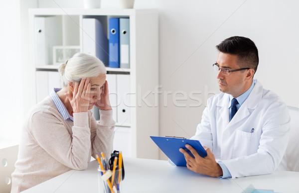 Stock fotó: Idős · nő · orvos · megbeszélés · kórház · gyógyszer