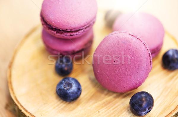 Myrtille macarons bois stand cuisson confiserie Photo stock © dolgachov