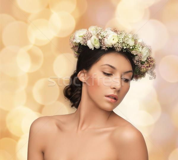 Stockfoto: Mooie · vrouw · krans · bloemen · voorjaar