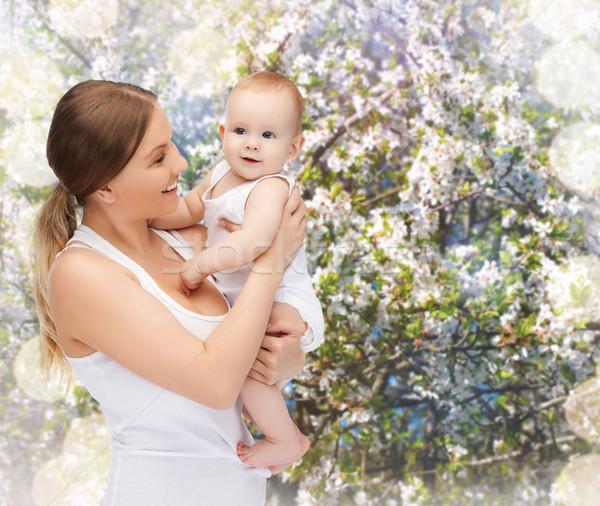 Szczęśliwy matka godny podziwu baby rodziny dziecko Zdjęcia stock © dolgachov