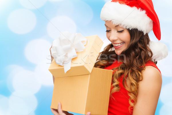 Mujer sonriente vestido rojo cajas de regalo Navidad vacaciones celebración Foto stock © dolgachov