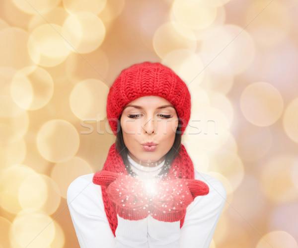 Lächelnd Winter Kleidung Glück Feiertage Stock foto © dolgachov