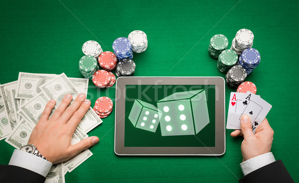 Zdjęcia stock: Kasyno · poker · gracz · karty · tabletka · chipy