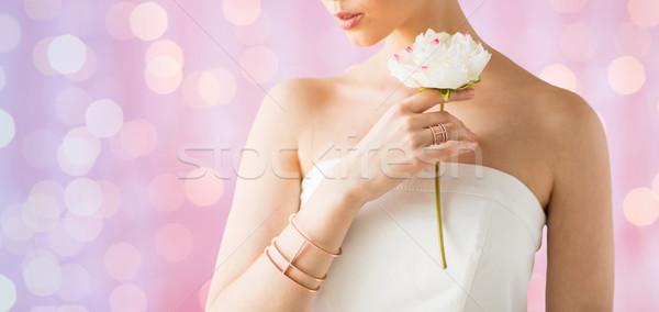 Сток-фото: красивая · женщина · кольца · браслет · гламур · красоту