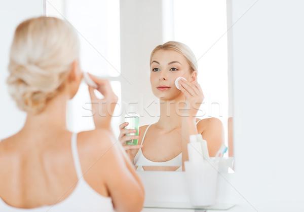 Lotion Waschen Gesicht Bad Schönheit Stock foto © dolgachov