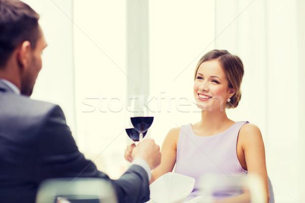 Fiatal nő néz fiúbarát férj étterem pár Stock fotó © dolgachov