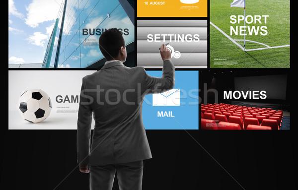 Empresário trabalhando notícia aplicações pessoas de negócios massa Foto stock © dolgachov