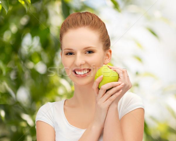 Jóvenes mujer hermosa verde manzana Foto mujer Foto stock © dolgachov