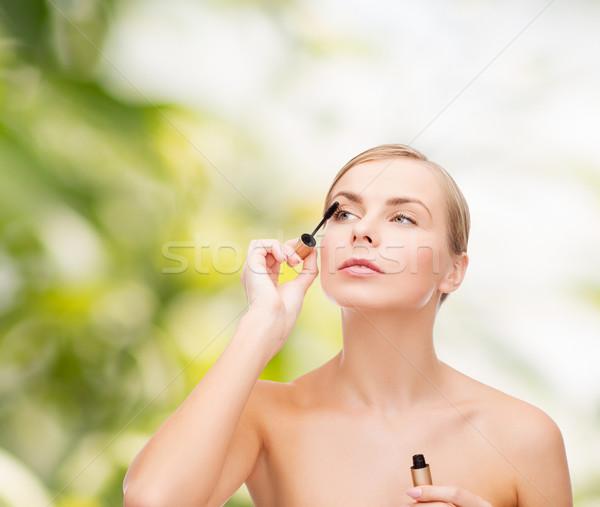 Mooie vrouw mascara cosmetica gezondheid schoonheid meisje Stockfoto © dolgachov