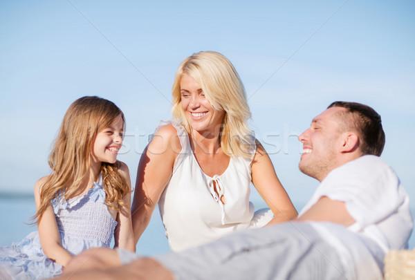 Familia feliz picnic verano vacaciones ninos personas Foto stock © dolgachov
