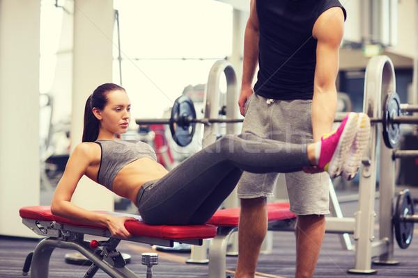 Vrouw abdominaal oefening gymnasium fitness Stockfoto © dolgachov
