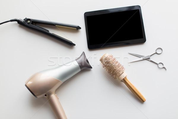 Tijeras secadora de pelo caliente hierro cepillo Foto stock © dolgachov