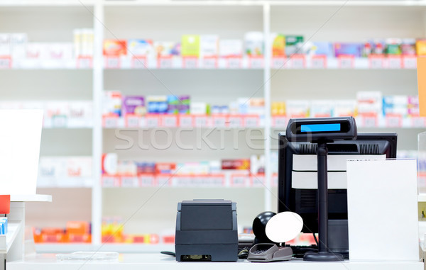 Numerário secretária farmácia farmácia medicina saúde Foto stock © dolgachov