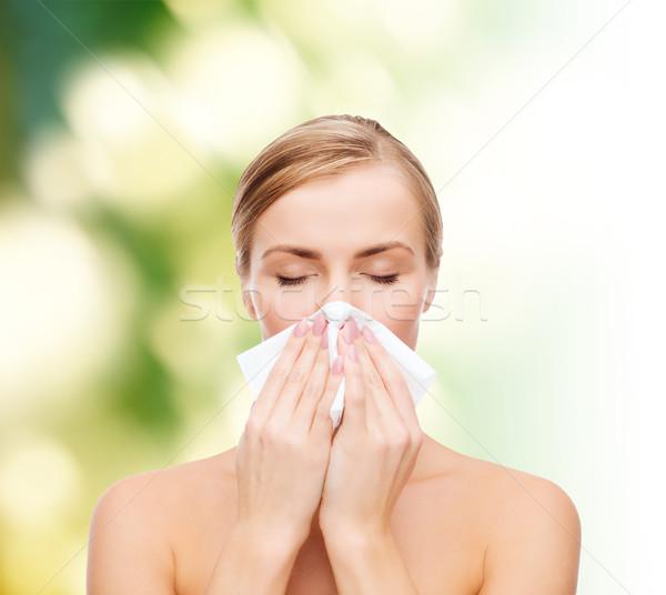 Gyönyörű nő papír papírzsebkendő kozmetika egészség szépség Stock fotó © dolgachov