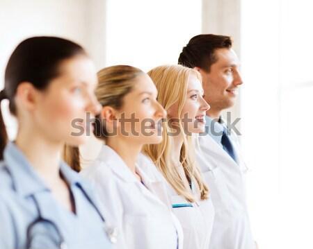 женщины врач банку капсулы здравоохранения медицинской Сток-фото © dolgachov