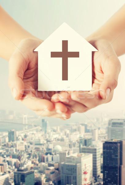 Zdjęcia stock: Ręce · papieru · domu · krzyż · religii
