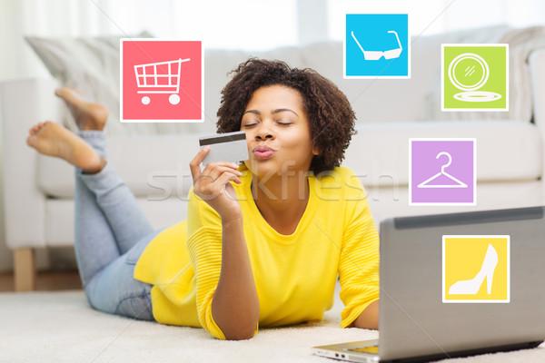 счастливым африканских женщину ноутбука кредитных карт люди Сток-фото © dolgachov