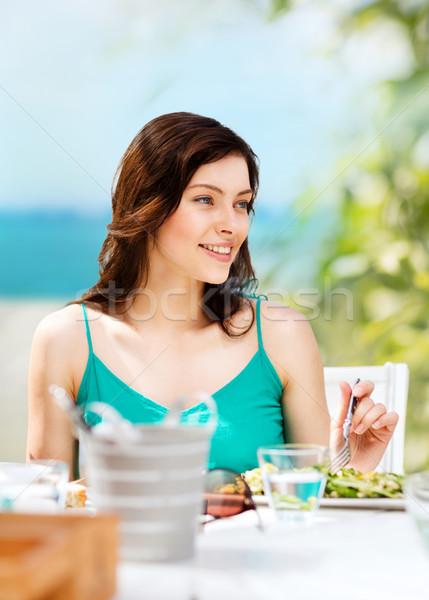 Сток-фото: девушки · еды · кафе · пляж · лет · праздников