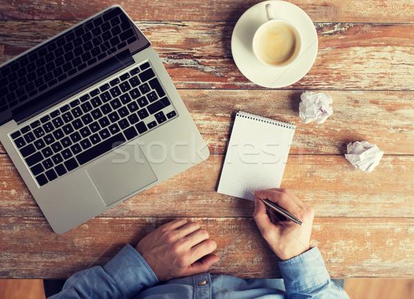 Stock fotó: Közelkép · férfi · kezek · laptop · notebook · üzlet