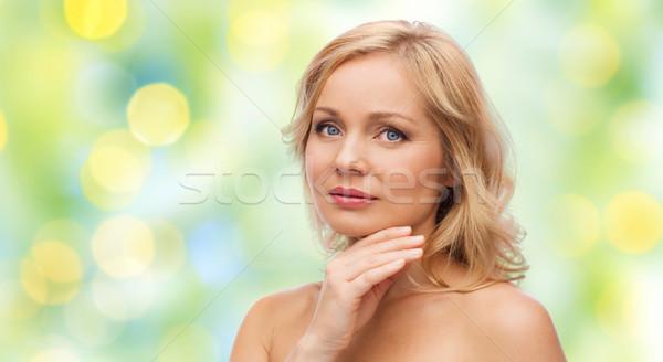 Nő meztelen vállak megérint arc szépség Stock fotó © dolgachov