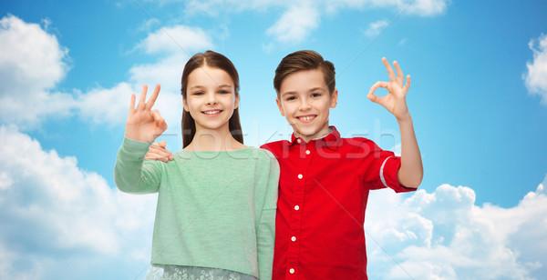 Mädchen Handzeichen Kindheit Stock foto © dolgachov